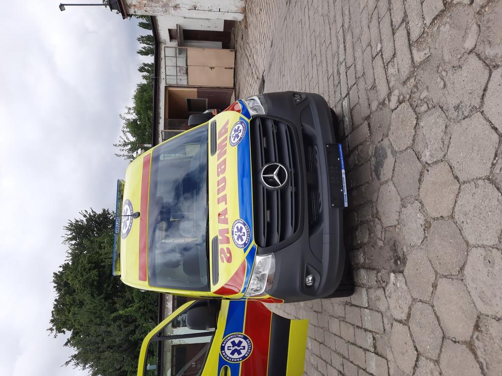Ambulans- zdjęcie 5.jpeg